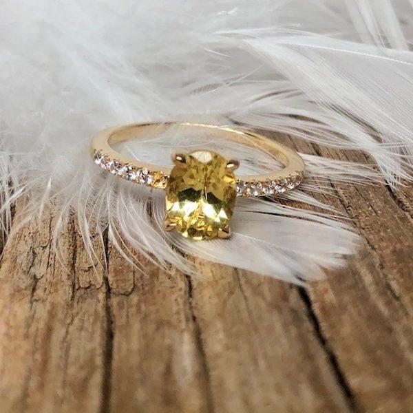 Verlobungsring Apatit Mittelstein oval Brillanten seitlich 585 Gelbgold