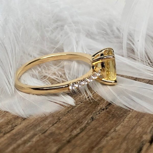 Apatit gelber Stein Gelbgold 585 Verlobungsring seitlich Brillanten