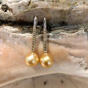 goldene Südseeperlen Ohrhänger gelbe Safire Weissgold Unikat