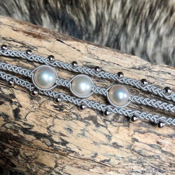 saamicrafts Armband mit 3 weissen Perlen dreireihig Unikat