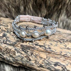 3-reihiges Saami crafts Armband mit weissen Perlen und Silberkugeln 16cm