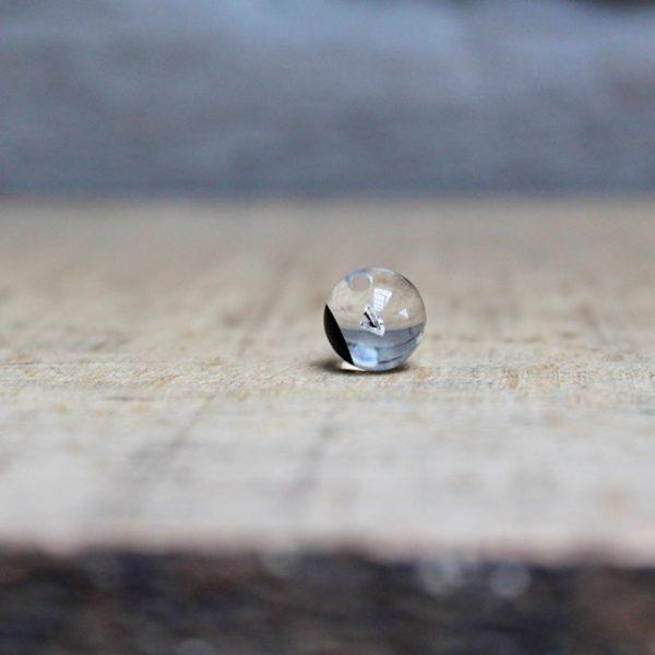 Schmuckwerk-Glasklar-Halsschmuck-Glaskugel-mit-Diamant-Anhaenger-ohne-Kette-DH807GS-Juwelier-Haarhaus.