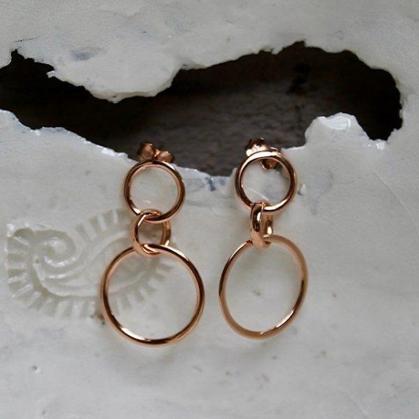 lange Ohrringe aus 585 Rosegold mit Stecker, aus drei Ringen, beweglich, zeitlos, nachhaltig
