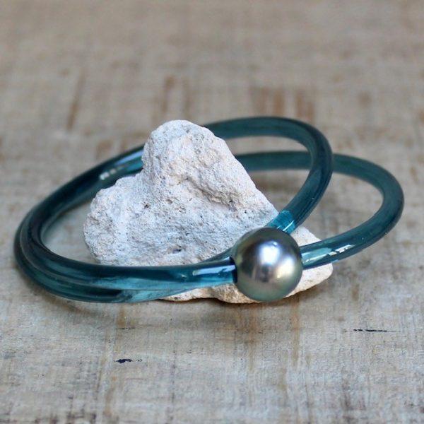 Monika Seitter Apollo Kunststoff Armband petrol zweifach gewickelt mit Tahitiperle und Magnetverschluss