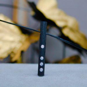 Schwab-Carbon-Anhaenger-Stab-Brillanten-in-Platin-40mm lang-5mm Durchmesser