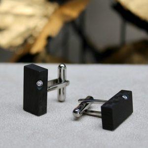 Schwab-Carbon-Manschettenknoepfe-rechteckig-Brillant-in-Platinfassung-Herrenschmuck
