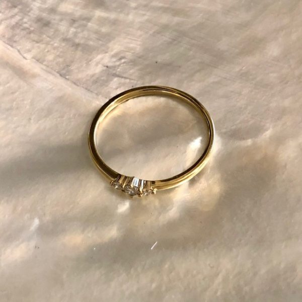 Boho Ring Gelbgold Verlobung kleine Brillanten zart