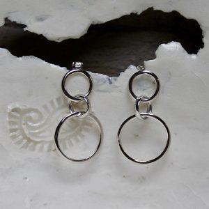 lange Ohrringe aus 585 Weissgold mit Stecker, aus drei Ringen, beweglich, zeitlos, nachhaltig