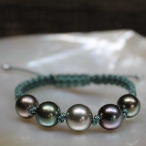 GELLNER-Marutea-Perlarmband-maruteagruen-H2O-Pearlmates-Zuchtarmband Einzelstück aus Makramee in maruteagrün zum Zusammenziehen