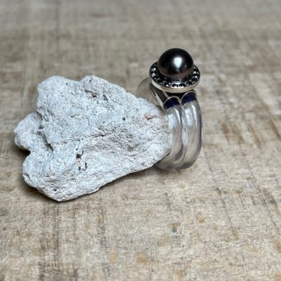 Monika Seitter Designerin Düsseldorf Sia Ring transparent zweifach gewickel schwarze Diamanten Tahiti Perle dunkel Unikat 1