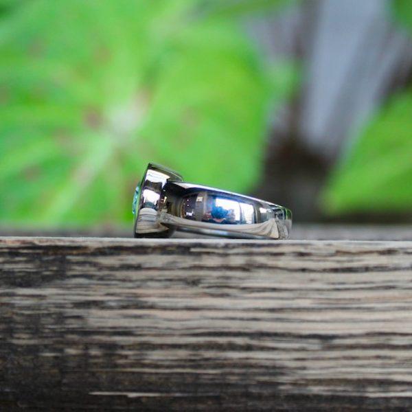 Quinn-Blautopas-hellblau-Ring-Silber-ovaler-Stein-021000012-seitlich-liegend