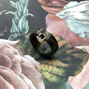 Carbon Bronze Ring mit schwarzem Brillant
