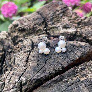 Perlenrausch Wolke Ohrstecker mit 3 verschieden großen Süßwasserperlen und Edelstahlstecker